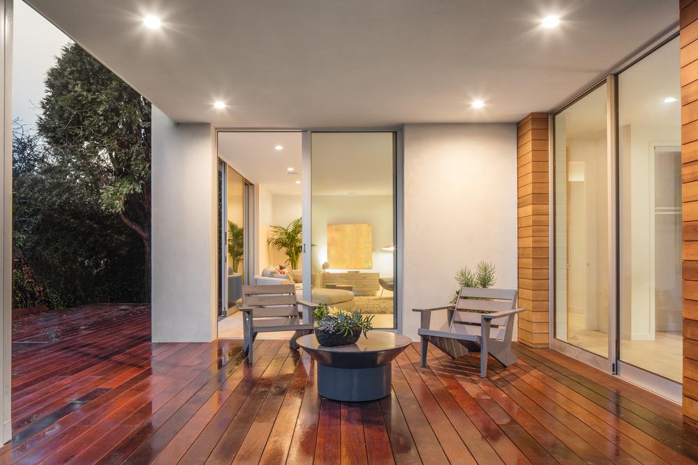 Vad är bättre – en terass eller altan?