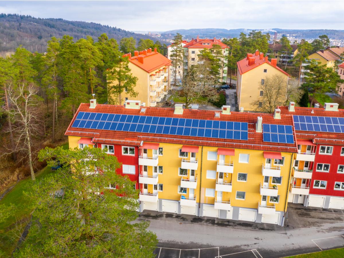 Satsa på svensktillverkade solpaneler